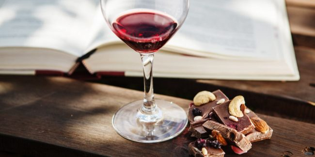 Eating Chocolate and Drinking Red Wine Could Prevent Aging According Research 2