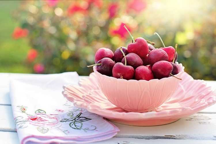 cherries - best foods for a strong heart