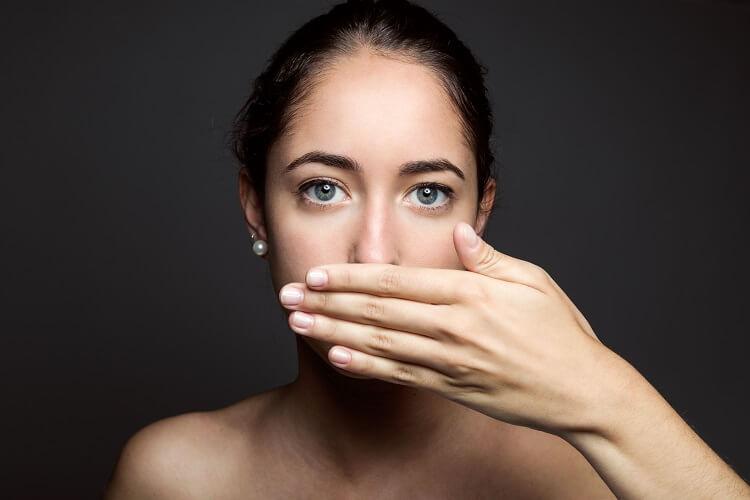 woman-having-breath-mouth